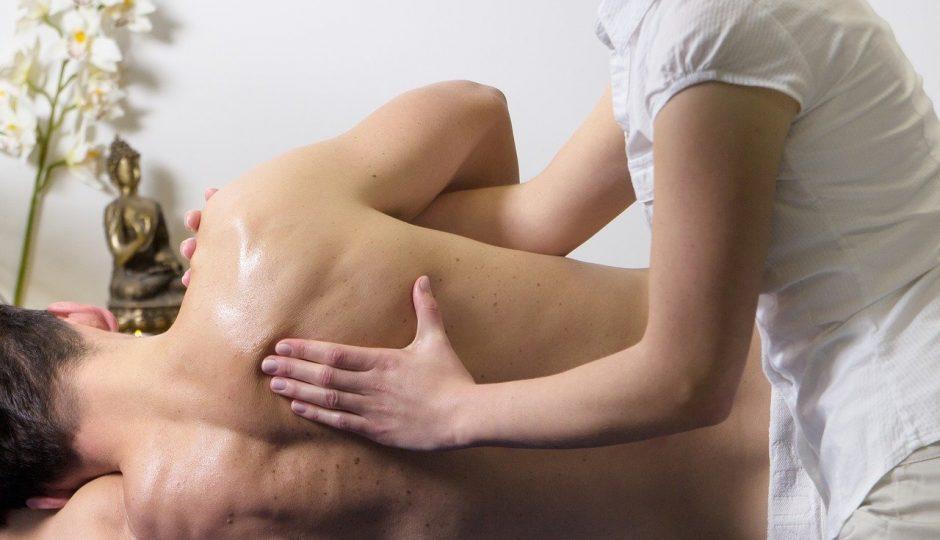 Découvrez le métier de masseur à domicile